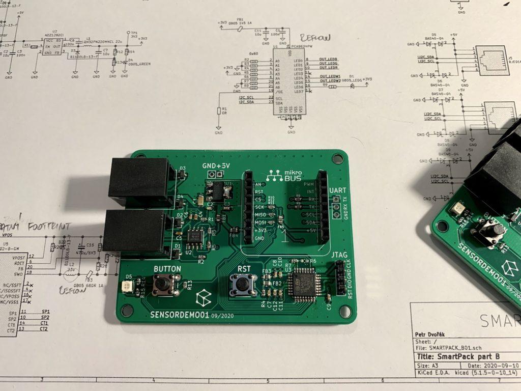 Hotová deska elektroniky