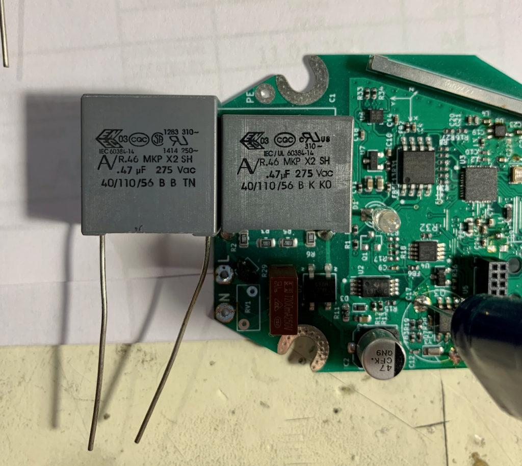 Porovnání velikostí kondenzátorů